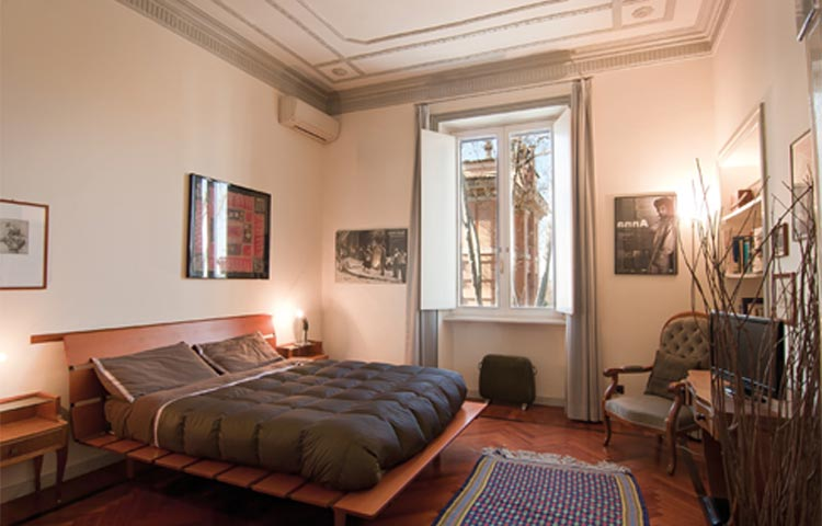 Rooms in Rome